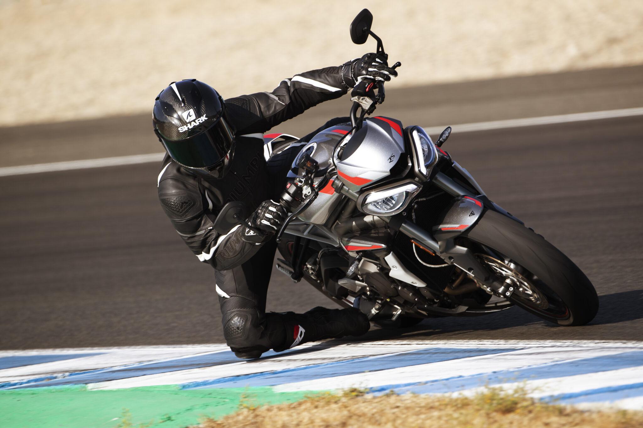 Triumph Motorcycles despliega todo su ADN competitivo con